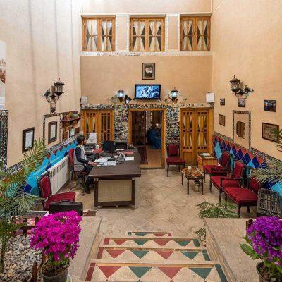 تصویر پذیرش هتل خورشید